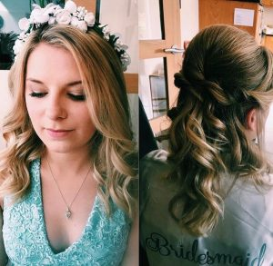 2 pjotos, 1 of fron and other of back of hair, blonde bridesmaid, eyes shot with flowers in her hair