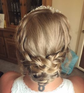 cloas eup photo of back of blond bride's hair