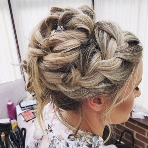 photo of bridal hair detail for blonde