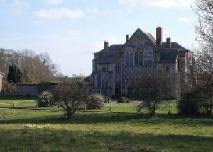 Butley Priory photo by Eebahgum