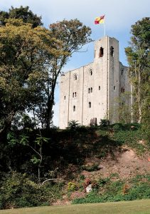 Hedingham Castle photo by pyntofmyld